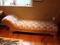 Faint Couch