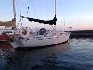 1976 JJ contessa for sale (located at outer harbour marina)
