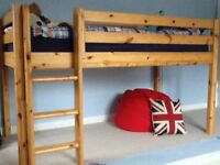Children's mid rise single bed