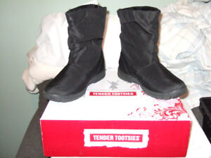 Brand New Tender Tootsies Winter Boots
