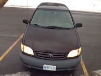 2001 Toyota Sienna  low millage