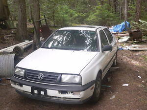 1996 Jetta,,,NEED GONE.. Manual + Sunroof   Running / 4 parts?