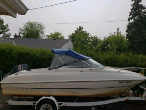 nice boat great condition (bayliner capri)
