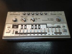 Roland tb 303 analog acid bassline synth synthesizer