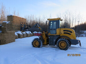 LOADER 270 hrs SNOW REMOVAL parking lot 3 quik attachment 80hp
