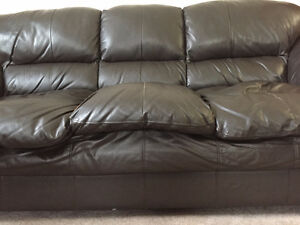 Leather Couch and Power Lift chair for sale Regina Regina Area image 9