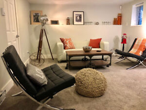 September Onward: Cozy, like-new, convenient and private suite