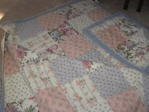 3 queen size quilts and shams