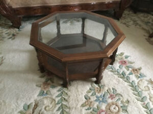 Coffee table and 2 end tables,