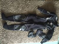 Women's Scubapro Everydry 5 compressed neoprene dry suit, size XS, including gloves and fins