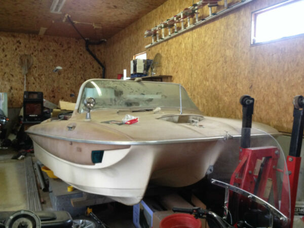 1963 Other 1963 OMC 17 deluxe Tri hull Fibreglass speedboat