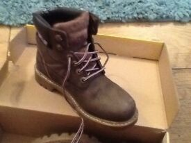 Girls caterpillar boots
