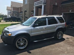 Super Clean 2005 Ford Escape XLT SUV, In MINT Condition!!