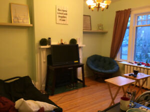 Furnished student room for rent. 2 minutes to Dal. All included