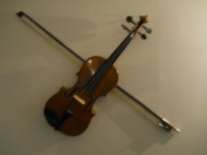 "1/2 size ""Violin and bow"""