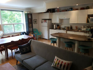 Bedroom for rent in a 2 bedroom, 2 washroom apartment