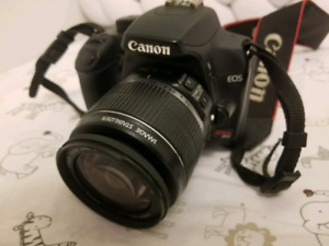 Selling canon rebel xs great condition
