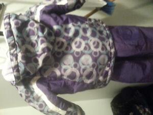 Girls size 2t snowsuit