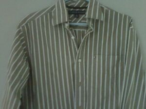 8 quality men`shirts size small, great condition, 1 new (tag on)