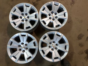 "17"" GM ALLOY WHEELS"