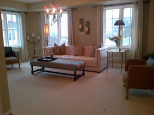 Lovely 2 bed upper condo - end unit  - Available Dec. 15/16