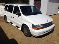 1994 Plymouth voyager handicap van reduced 1100$