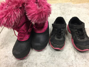 Size 2 youth girl - winter boots & Nike runners