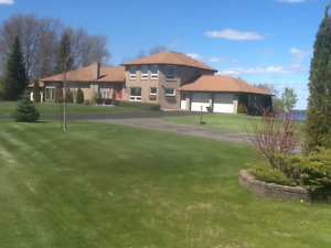 Waterfront Custom Home - Lake Chemong