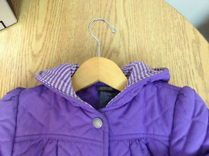 Lavender quilted cotton coat w/hood; excellent condition; sz 5 Peterborough Peterborough Area image 2