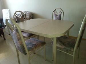 Dining or Kitchen Set (Table with extension)