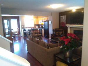 GORGEOUS Furnished Full 3 Bedroom House