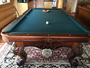 Excellent condition Connelly Pool Table