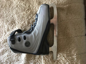 Women's figure skates size 10 only worn once