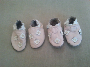 Robeez shoes 6-12 months Pink Flowers