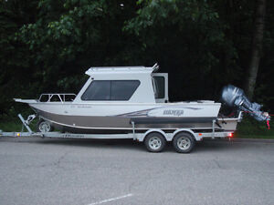 Used 2012 Hewescraft 220 Searunner Extended Transom Hardtop w/ Bulkhead