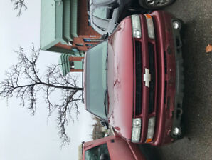 Chevrolet 2003 Tahoe (For parts or scrap)