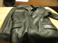 DANIER LADIES BLACK LEATHER COAT-GREAT COND.-SM TO MED