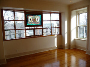 Spacious 3 Bedroom Apartment Just Off Spring Garden Rd. Downtown