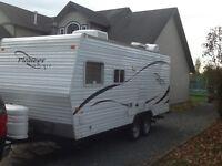** Garage Kept 2007 Pioneer Sprint 18' travel trailer