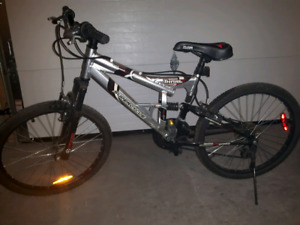 Mid size Supercycle Thrill full suspension bike