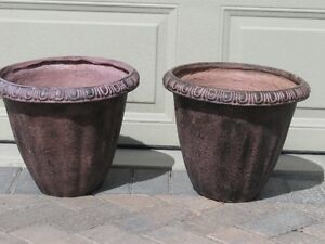 Matching light weight concrete look planters