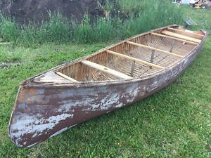 ESKER cedar canoe made in South Indian Lake MB