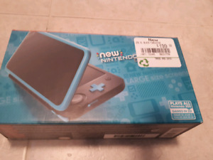 New Nintendo 2DS xl with a bag