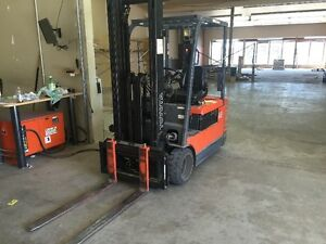 Toyota Forklift Lift Truck, Electric, 3500lbs capacity