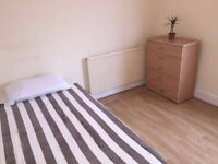 SINGLE IN KILBURN! ZONE 2. JUBELEE LINE!