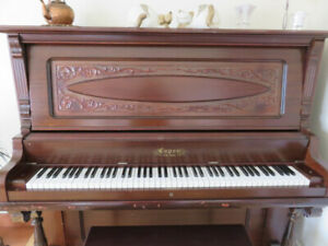 Piano droit antique Capen en excellente condition