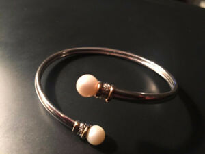Beautiful Silver Plated Pearl Bracelet