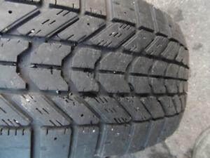 4 pneus d'hiver 215-60-R16 Firestone Winterforce
