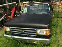 1988 Ford F-150 transmission, fenders, rear end,and other trucks