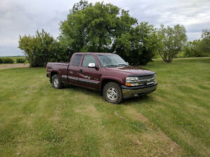 2000 Chevrolet Silverado 1500 LT Pickup Truck